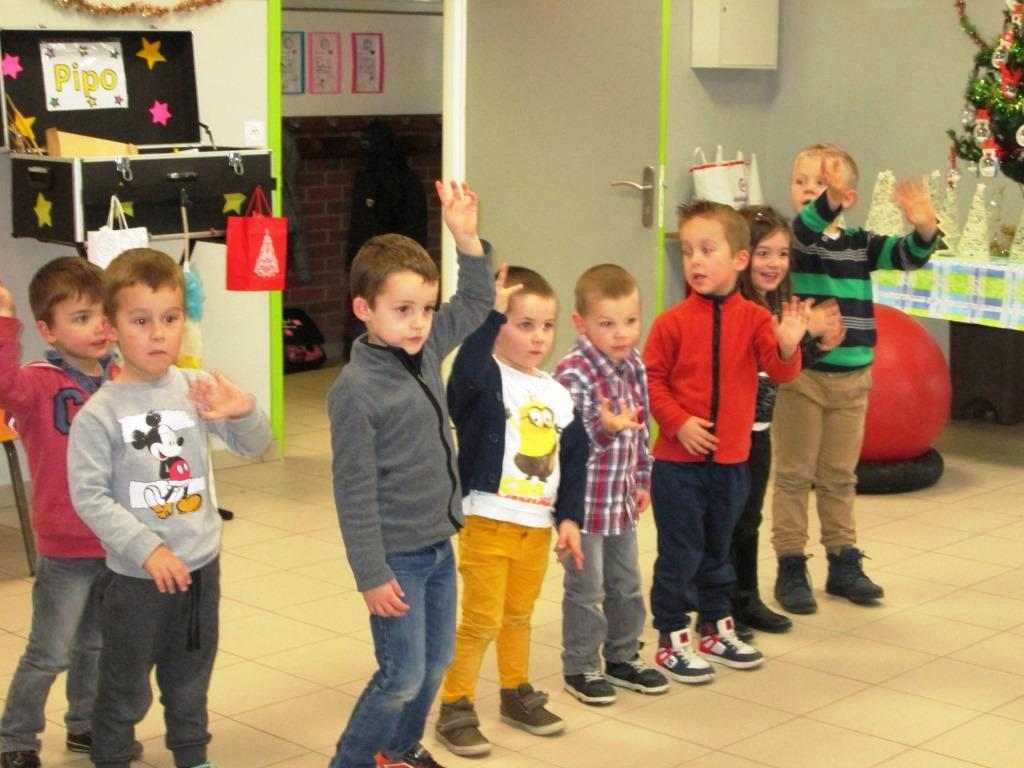 spectacle et goûter de Noël (14)