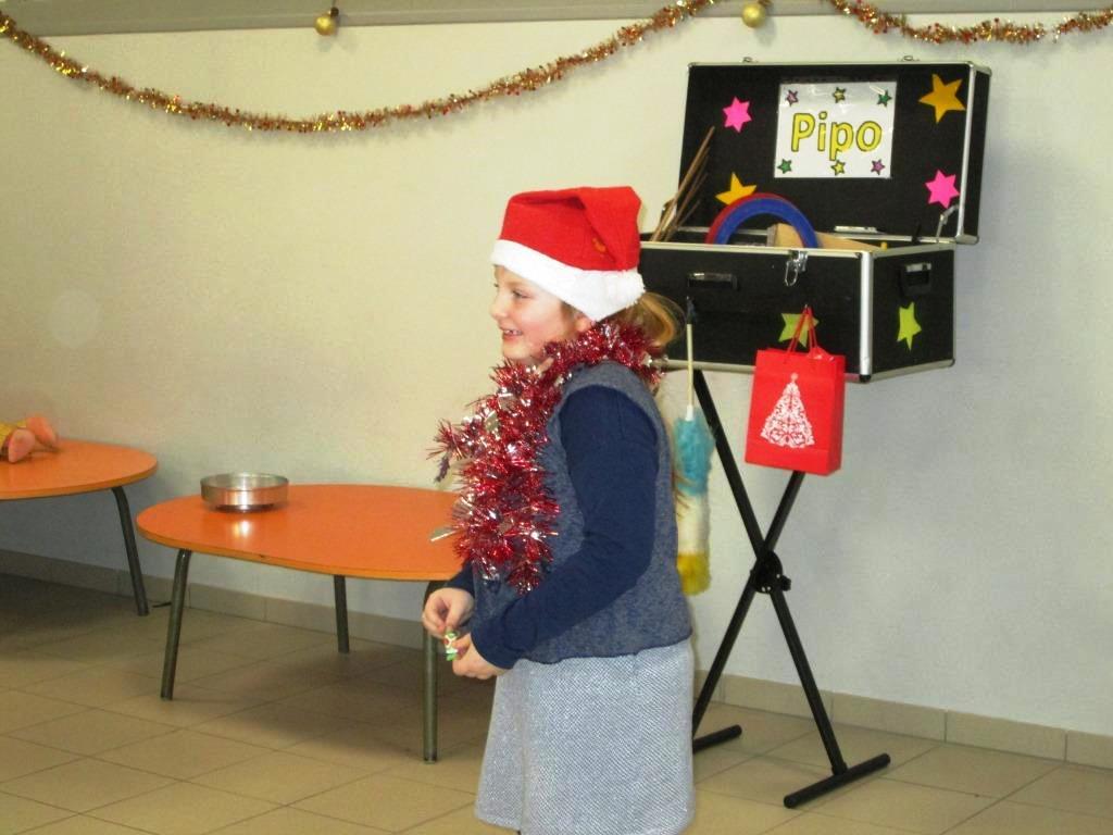 spectacle et goûter de Noël (27)